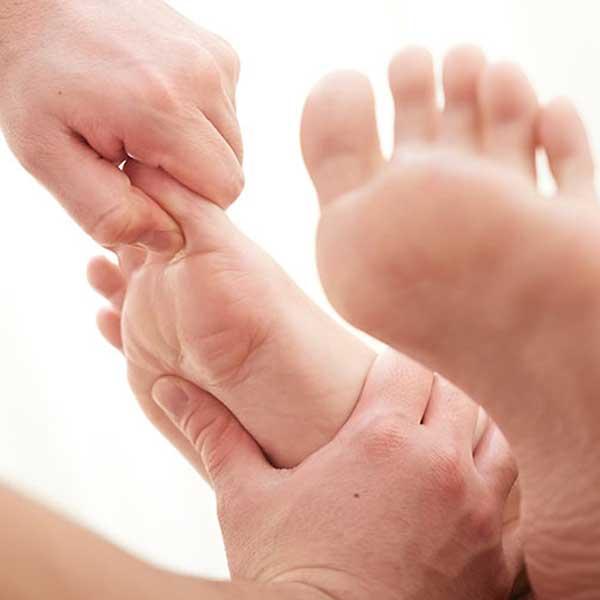Fuß wird massiert