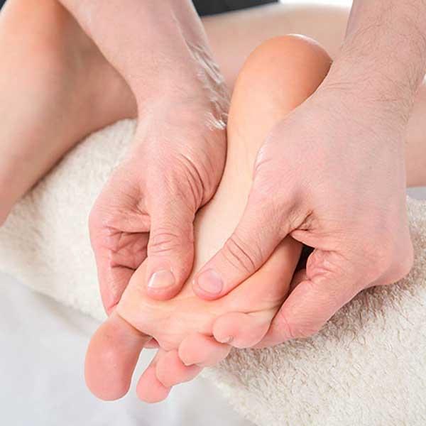 Massage am Fuß
